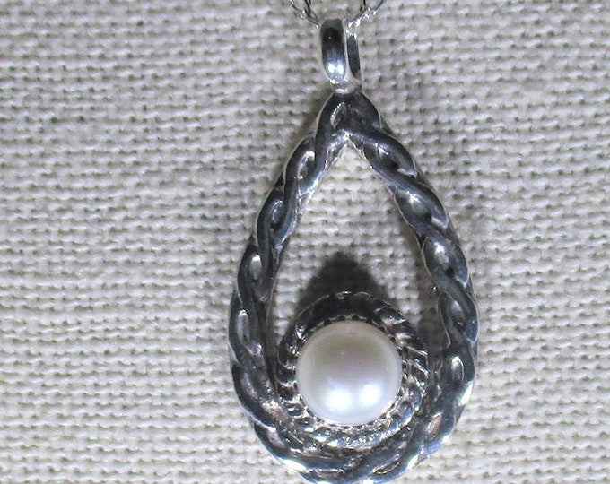 genuine freshwater cultured pearl handmade sterling silver pendant necklace