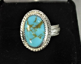 Kingman blue green Arizona turquoize gemstone in heavy handmade sterling silver statement ring size 7
