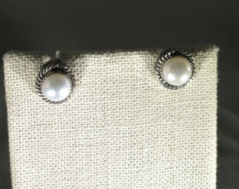 genuine freshwater cultured pearl handmade sterling silver stud earrings