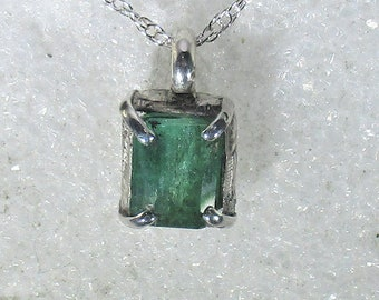 genuina Zambian emerald gemstone handmade sterling silver pendant necklace