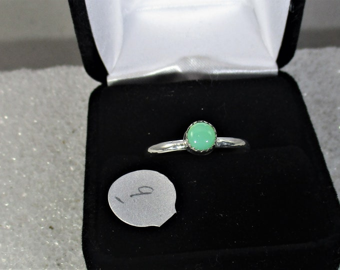 Pretty green Chrysoprase  handmade sterling silver ring size  9