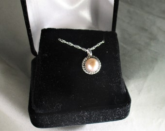 genuine freshwater cultured pink pearl handmade sterling silver pendant necklace