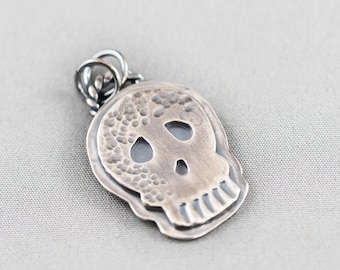 JewelsObsession Sterling Silver 32mm Scroll Charm w//Lobster Clasp