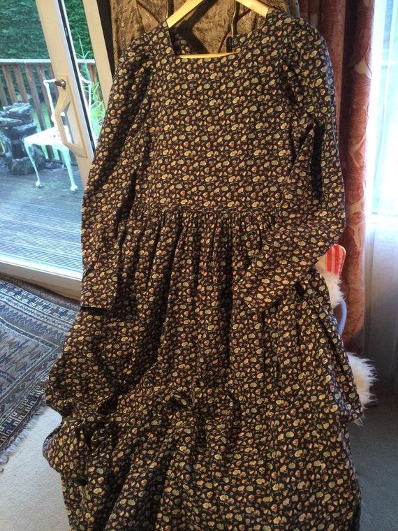 Laura ashley vintage 70's heavy cotton dress. 34ins bustx46 ins length. Ditsy. Bohemian
