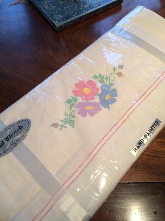2 x 1940's unused applique hand painted fine linen sheets. 90x108 ins each. Genuine. Still in wrapping