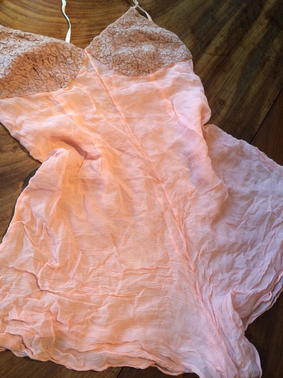 Silk crepe and lace 1930's camiknickers. 32bustx35 length. Coffee lace. Peach silk