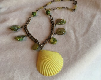 Amarillo necklace