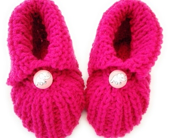 Baby Shoes baby Booties Knitted pink with button smile knitted baby shoes booties 0-8 months made in Germany by El Burro