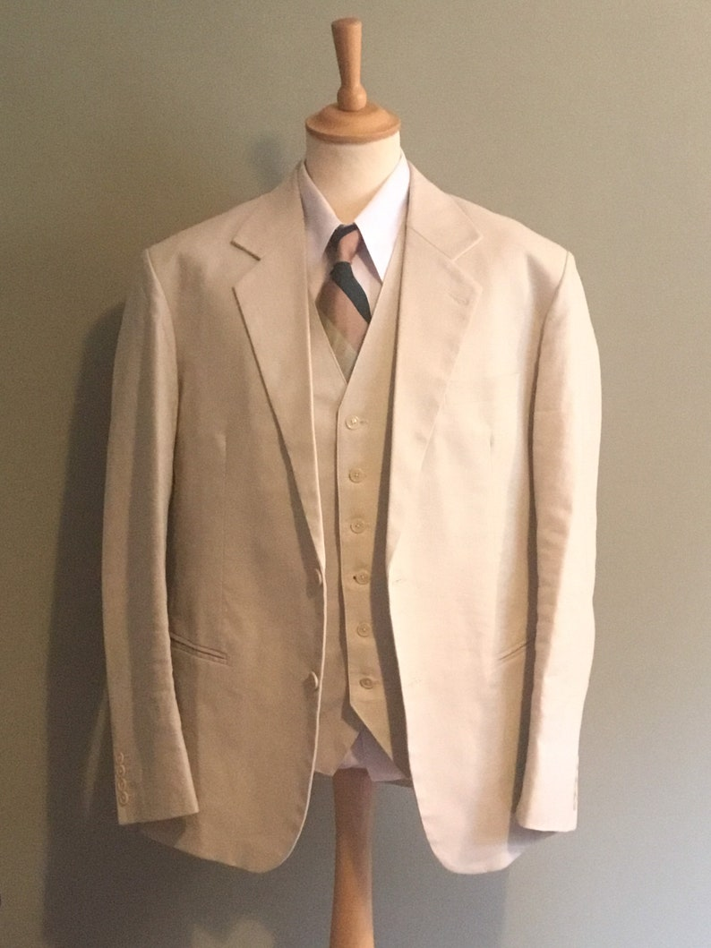 1940s Mens Suits | Gangster, Mobster, Zoot Suits Mens late 1930s single breasted linen suit (The Colonial) $513.19 AT vintagedancer.com