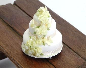 Celebration Cake - 1/12th dollshouse miniature food