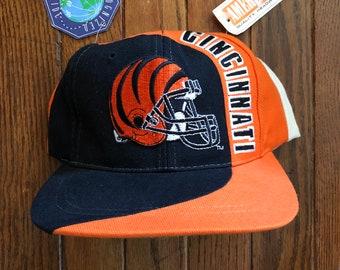 a39661aca6724 Vintage 90s Deadstock Cincinnati Bengals NFL Football Snapback Hat Baseball  Cap