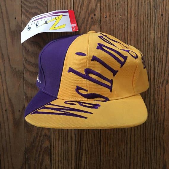 best service 87a23 c108e Vintage 90s Deadstock Washington Huskies NCAA Snapback Hat   Etsy