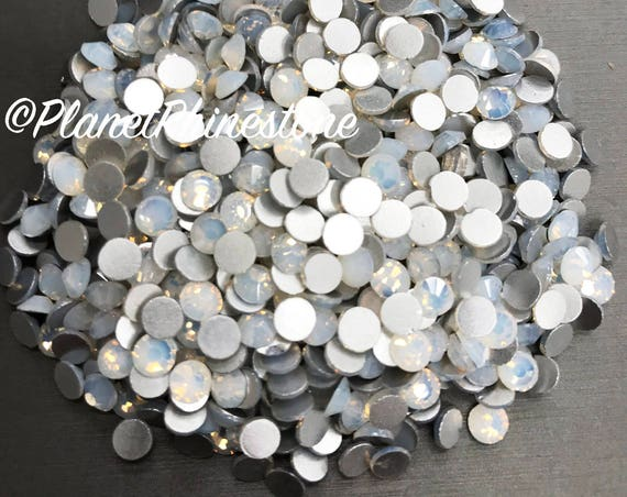 White Opal/ 5 Gross / SS20 / Flat back / Egyptian Crystals