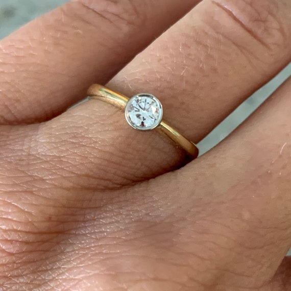 Solitaire Diamond 18K Gold Ring - image 7