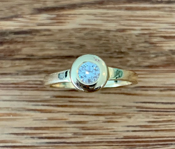 Diamond 14K Gold Solitaire Ring - image 4