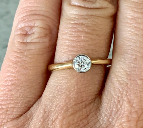Solitaire Diamond 18K Gold Ring - image 3