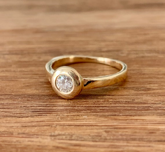 Diamond 14K Gold Solitaire Ring - image 1