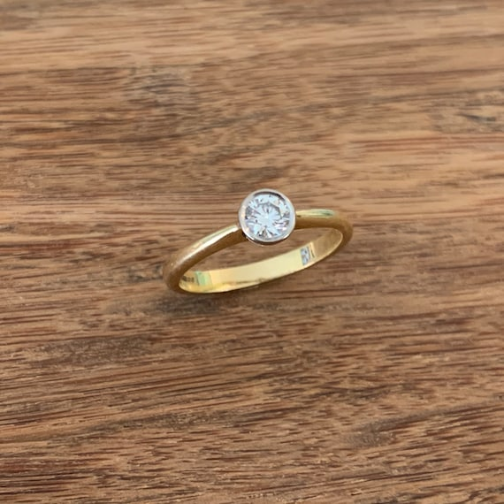 Solitaire Diamond 18K Gold Ring - image 4