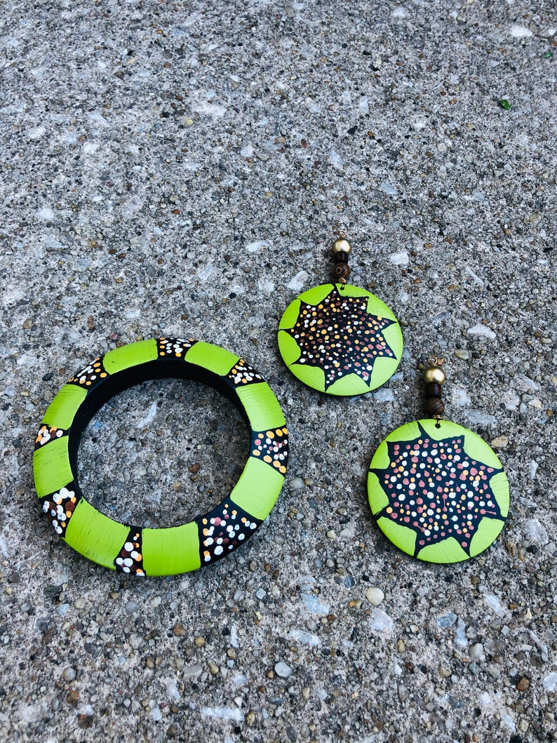 Hand painted wood earrings and bracelet set jewelry accessory