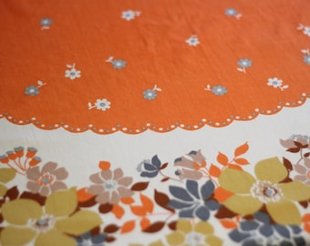 70s Flowers White Ribbons Round Table Cloth Tablecloth