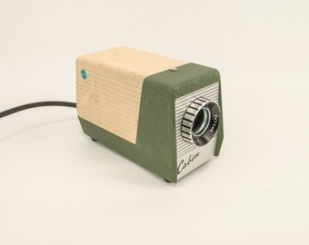 Dimmable upcycling lamp in old slide projector-cabin-vintage