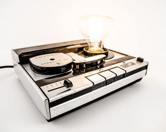 Lamp made from an old tape recorder – Stenorette
