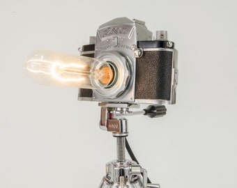 """Vintage camera lamp dimmable """"Ihagee EXA"""" Edison-upcycling-without tripod"""