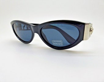 148c57a9419 Versace Gianni Sunglasses Mod. 492 Col. N52 Genuine Rare Vintage New Old  Stock