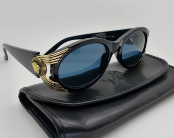 d9d3dbc1c6 Gianni Versace Sunglasses Mod 423 Col 852 New Old Stock Vintage Rare