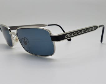 38ebc98ede8 Versace Gianni Sunglasses Mod S29 Col 56M Vintage Genuine New Old Stock.  VSOx