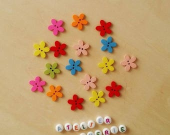 """Set of 10 wooden """"Flowers"""" - multicolored buttons"""