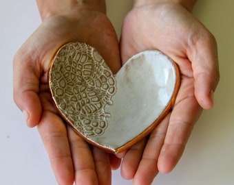 Ceramic Heart Ring Dish, handmade pottery, heart dish, lace imprint, ceramic bowl, handmade gift, gifts for women, Valentine's gifts