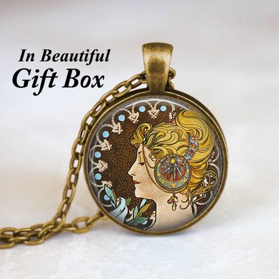 Alphonse Mucha Art collier \u2022 Art Nouveau bijoux \u2022 Mucha \u2022 impression plume  collier \u2022 peintures célèbres \u2022 Hippie bijoux \u2022 cadeaux pour elle