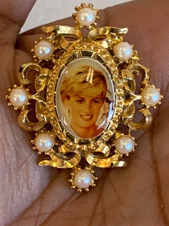 Vintage Princess Diana Brooch, Princess Diana Pin… - image 3