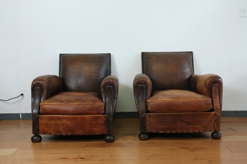 Strange Antique Pair Of Leather Club Chairs Camellatalisay Diy Chair Ideas Camellatalisaycom