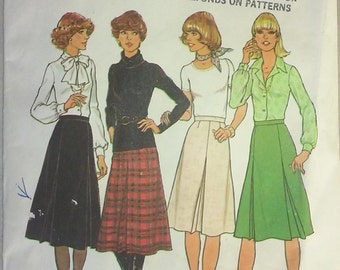 Vintage 1970s Skirt Sewing Pattern - Size 10 (Small) - Original with Envelope