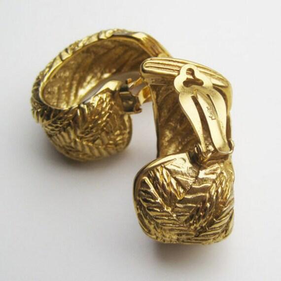 Pendientes YSL colour gold