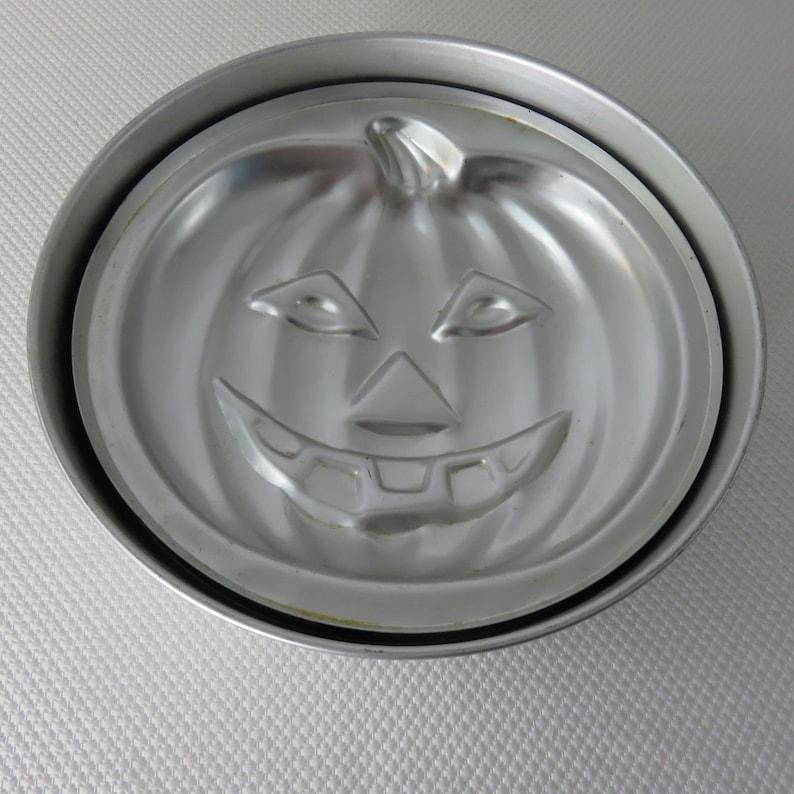 Lantern Pumpkin Cake Pan With Ring 1974 # 503-598 Vintage Wilton Jack-O