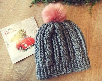 Grey cable beanie with Faux fur Pom Pom, für Pom Pom, winter hat, crochet hat, cable hat, grey hat, pink Pom Pom
