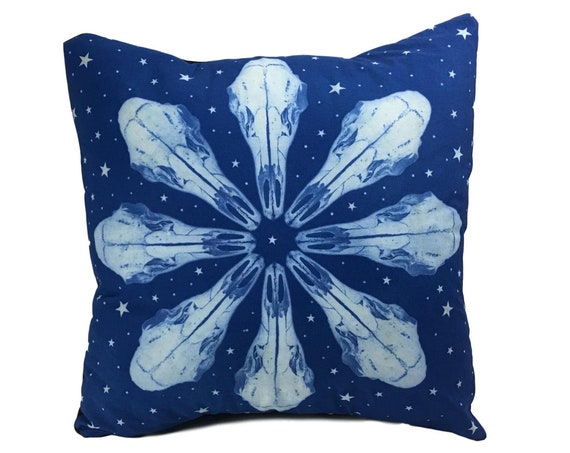 vulture culture throw pillow. Deer skull with stars. 20x20.