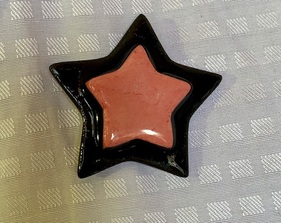 Star Brooch Pin. Ceramic Lapel Pin. Black and Red.