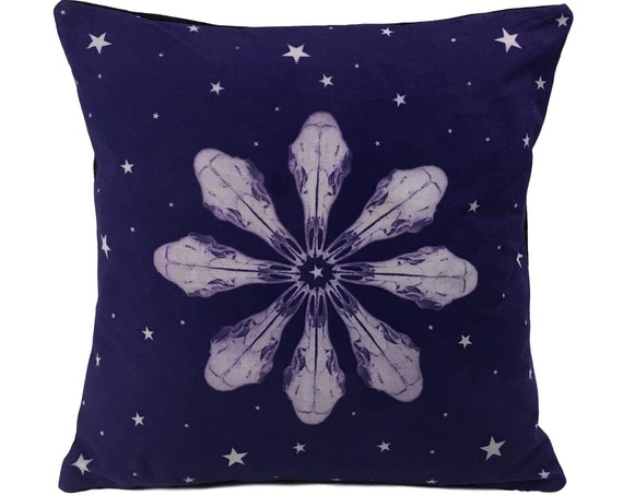Boho throw pillow. Deer skull with stars. 14x14.