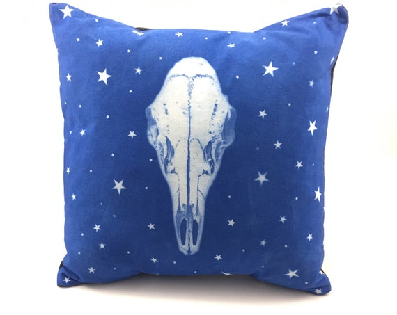 animal skull, Deer Skull Pillow, pillow cover, boho, wester, rustic home decor, Pacific Northwest, housewarming gift, throw pillow, stars
