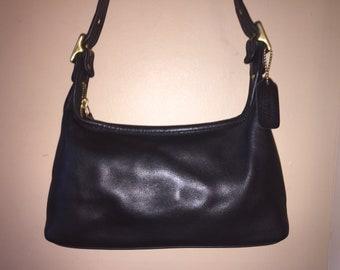 6359189e13d8 COACH VINTAGE Black Legacy Zip Top Hobo Bag  9059 W Hang Tag USA