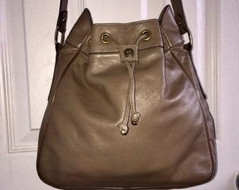 6266836368 ETIENNE AIGNER VINTAGE 12 X 10 X 4 X 13 Taupe Leather Drawstring Shoulder  Bag