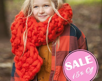 Secial SALE 15% off! Chunky scarf. Giant knitting . Super Chunky scarf - knit cowl. Super bulky wool. Unisex winter accessory.