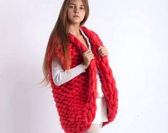 Chunky knit sweater - vest for kids. Chunky knit - sleeveless cardigan. Boys \ Girls - knitted clothes. Kids fashion wear. Woolen knitwear