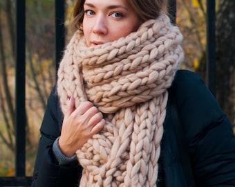 c66850ecfb9e4 Chunky knit. by MoroshkaByVingil on Etsy
