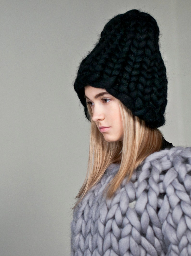 Chunky hat. Big knits slouchy oversized hat. Warm winter image 0