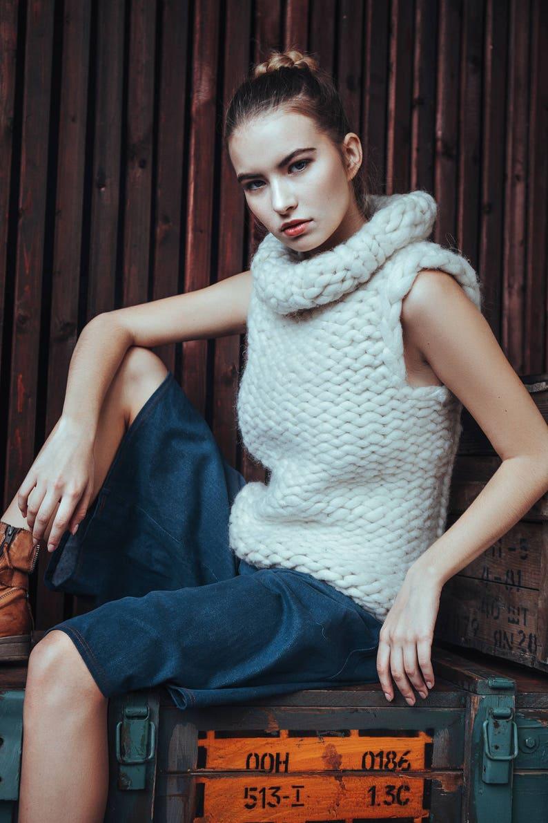 Chunky knit sweater. Extreme bulky yarn sleeveless sweater. image 0